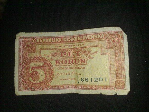 chci se zeptat zdalí tato bankovka má nějakou hodnotu