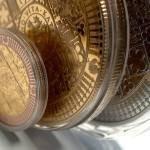 Jaký je rozdíl mezi mincemi a pamětními medailemi?