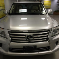 I want to sell my neatly used 2013 Lexus LX 570 car